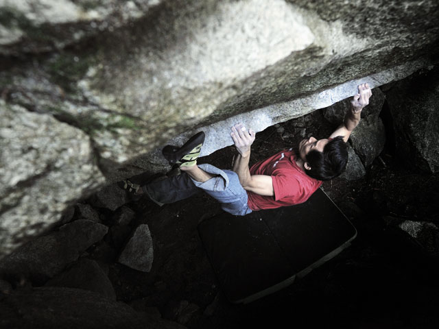 Mammut Photo Contest. FIRST PRIZE: Jason Lee on Lucky Sharms V11, Squamish.  Photo by Kai Clemen.