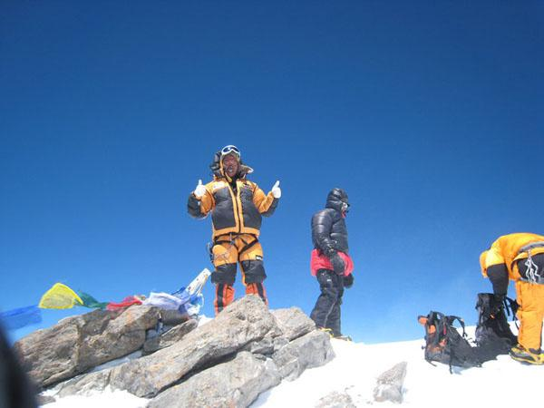 Mingma sherpa and Brother Chhang Dawa sherpa on the summit Nanga Parbat in 2010 Source Seven Summits