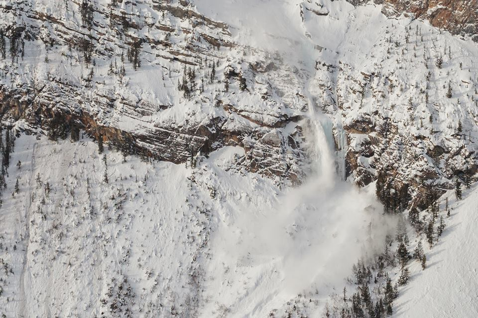 Silk Tassel WI4, in field, avalanche on Jan. 28/2017 Photo Tim Banfield