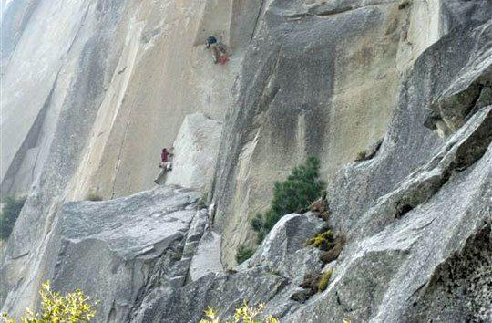 Watch Alex Honnold Free-Solo Astroman in Yosemite - Gripped